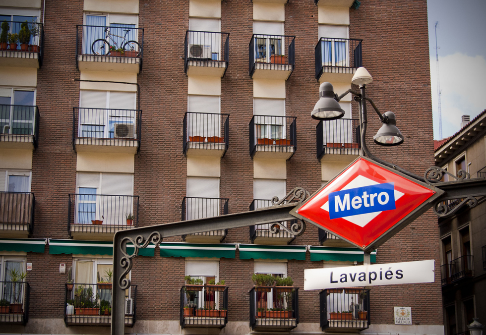Lavapies_barrio_Madrid_Farmacia_Lavapies